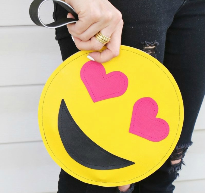13 emoji crafts for kids